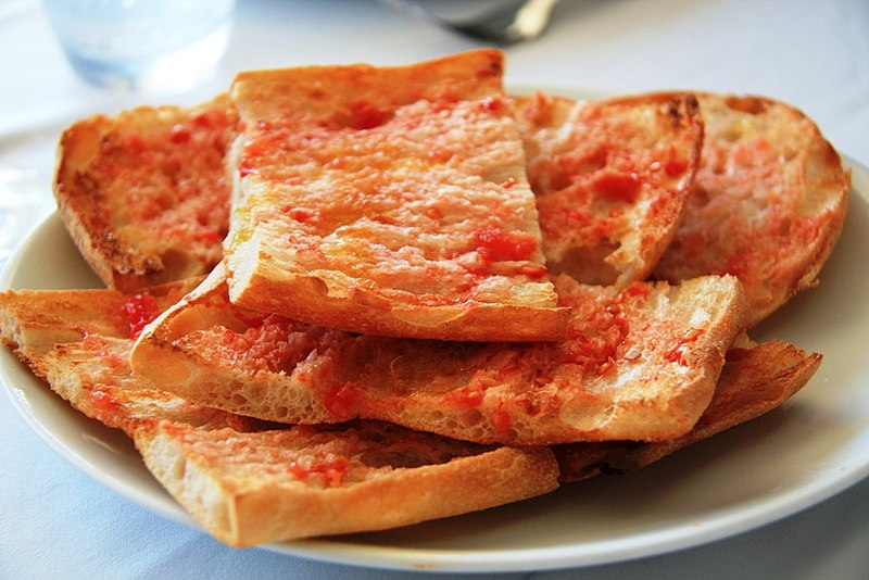 Bread with tomato