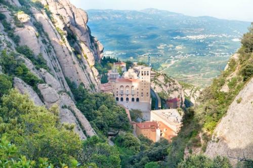 Montserrat Hike Tour